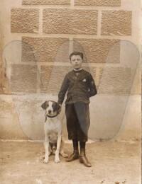 Actes/61/61-Ecouche/1917 p Maurice Herouin chien Ecouche.jpg